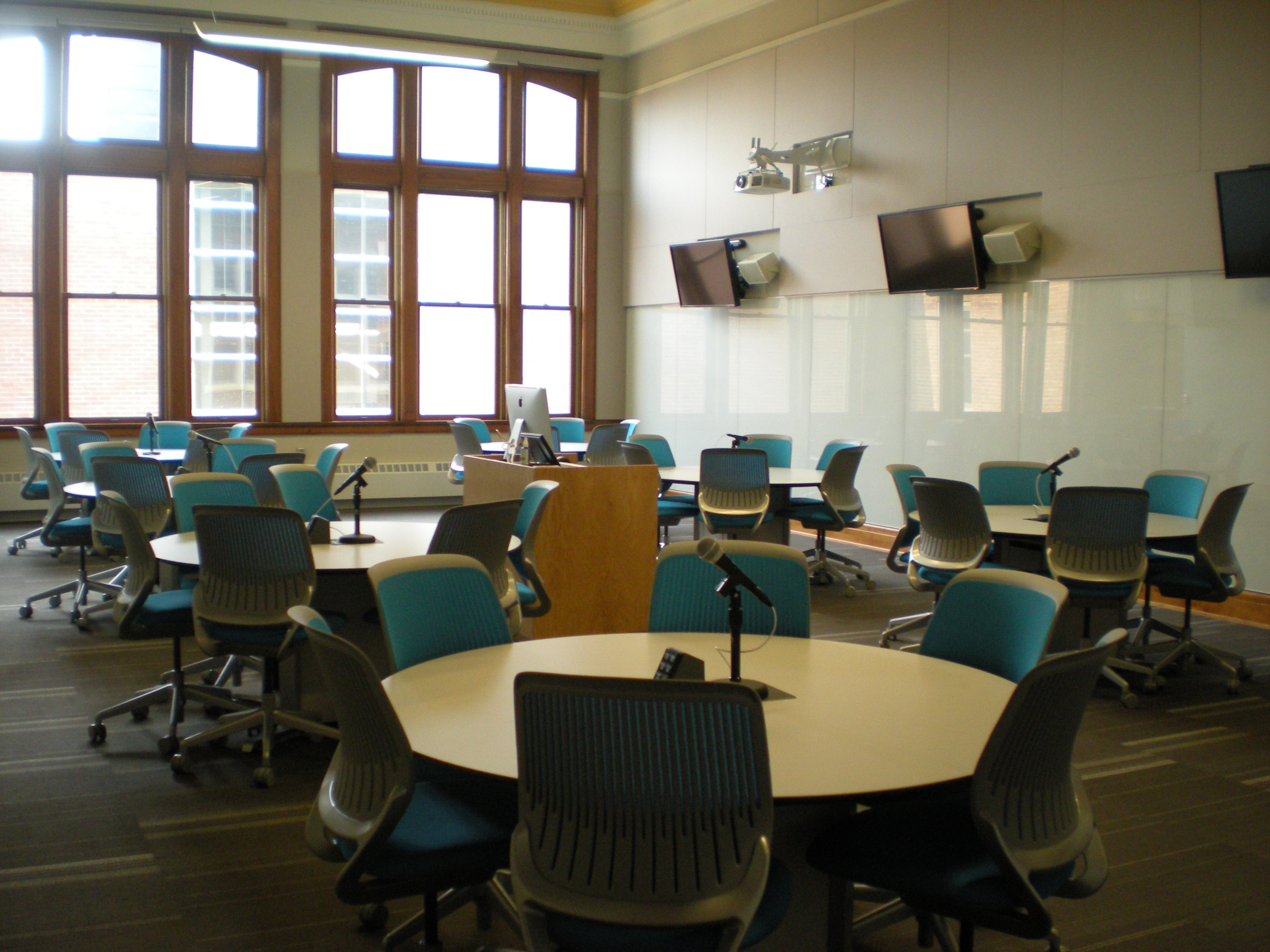 How to use the Interactive Classroom in WCC235 - ITS - Carlpedia ...